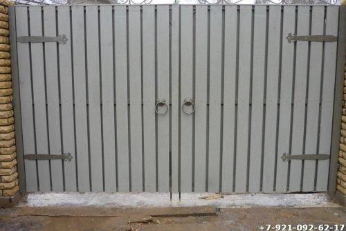 Простые стальные ворота