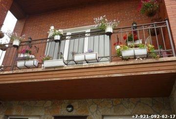 Декоративное кованое ограждение для балкона