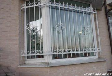 Простая решетка для окна