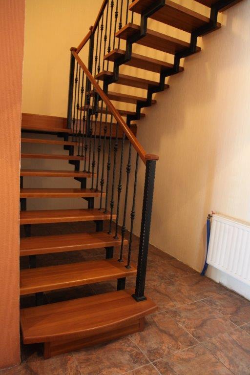 Фото лестниц на второй этаж в частном доме 23 фотография