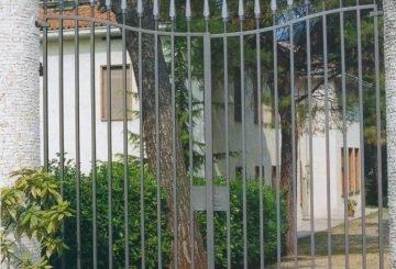 Острые кованые ворота