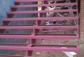 Металокаркас лестницы