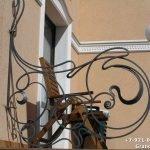 Декоративная ограда на крыльцо