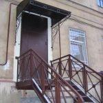 Сварная лестница с перилами