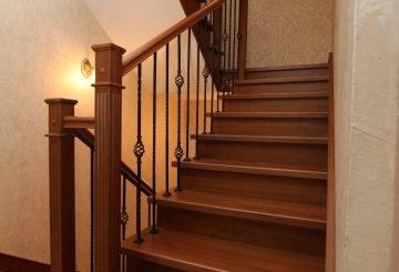 Металлокаркасная лестница
